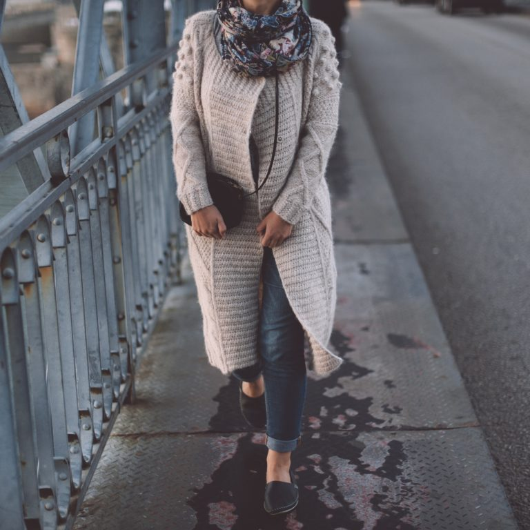 344ac0590 Scooper - Fashion News: 7 Key Clothes Girls Can Wear To Work And a Date