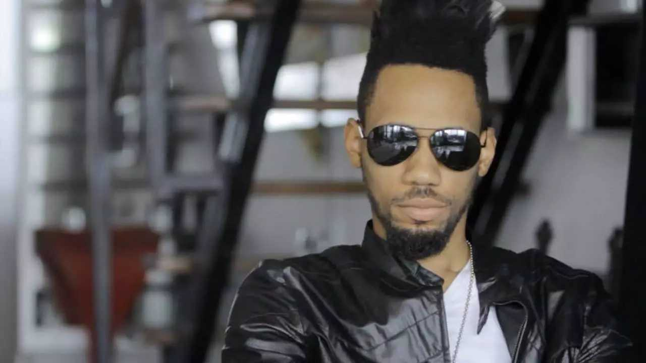 Scooper - Vehicles News: Phyno latest cars and house